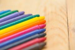 五颜六色的淡色蜡笔颜色 库存照片