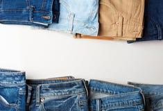 五颜六色的牛仔裤房客 库存照片