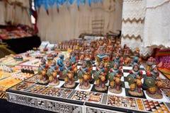 五颜六色的物品待售在市场,秘鲁 免版税图库摄影