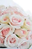 五颜六色的玫瑰婚礼花束  库存照片