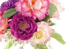 五颜六色的玫瑰花瓶 免版税库存图片