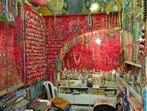 五颜六色的珠宝市场东方界面 库存照片