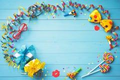 五颜六色的生日或狂欢节背景 图库摄影