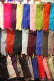 五颜六色的皮手套 免版税库存照片