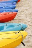 五颜六色的皮船 免版税库存照片