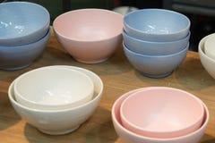 五颜六色的碗 免版税库存图片