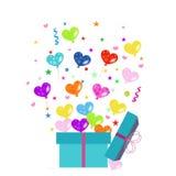 五颜六色的礼物盒和心脏气球导航问候 图库摄影