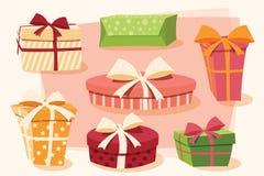 五颜六色的礼物盒的汇集有弓和丝带的 免版税库存照片