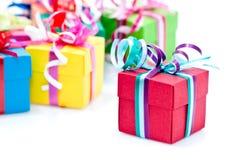五颜六色的礼物盒 免版税库存图片