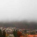 五颜六色的秋天在卑尔根,挪威 免版税库存图片