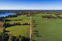 五颜六色的秋天天美丽的自然和风景照片在瑞典 图库摄影
