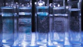 五颜六色的科学实验室试管 股票视频