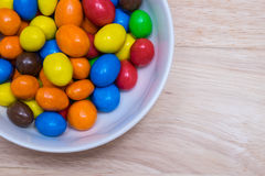 五颜六色的糖上漆的巧克力 库存图片