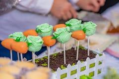 五颜六色的糖果装饰安排 库存图片