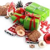 五颜六色的红色和gree主题的圣诞节静物画 库存图片
