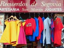 五颜六色的纪念品衬衣, Soain 免版税库存照片