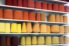 五颜六色的纱线 免版税库存照片