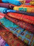 五颜六色的织品 库存图片