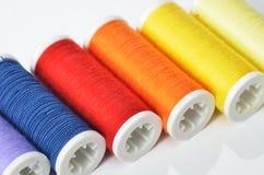 五颜六色的缝合针线 库存照片