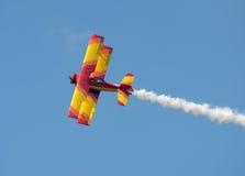 五颜六色的老双翼飞机 库存图片