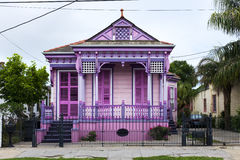 五颜六色的老房子在Marigny邻里在市新奥尔良 库存照片