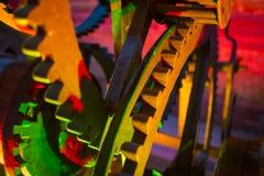 五颜六色的老时钟齿轮细节  免版税库存图片