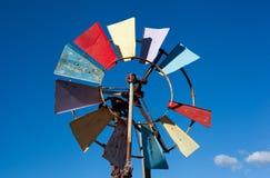 五颜六色的老风车 免版税图库摄影