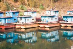 五颜六色的船超结构 免版税库存照片