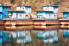 五颜六色的船超结构 免版税图库摄影