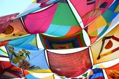 五颜六色的节日织品帐篷风帆 免版税图库摄影