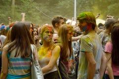 五颜六色的节日HOLI在莫斯科, 29 06 2014年 免版税图库摄影
