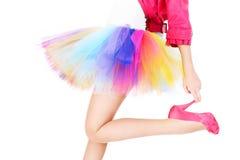 五颜六色的芭蕾舞女演员裙子的妇女 免版税库存图片