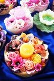 五颜六色的花蜡烛 免版税库存照片