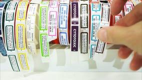 五颜六色的药房标签 股票视频