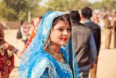 五颜六色的莎丽服的妇女在印度 库存照片