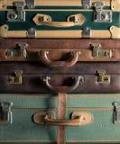 五颜六色的葡萄酒手提箱 免版税库存照片
