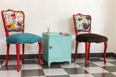 五颜六色的葡萄酒法国人椅子 库存照片