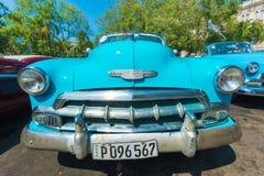 五颜六色的葡萄酒美国汽车在哈瓦那 免版税库存照片