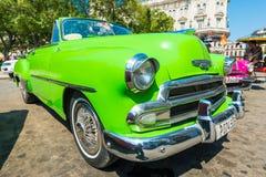 五颜六色的葡萄酒美国汽车在哈瓦那 库存照片