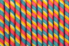五颜六色的薄酥饼卷棍子pattren背景 免版税图库摄影