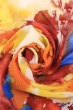 五颜六色的薄绢玫瑰华饰  库存照片