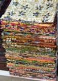 五颜六色的蜡染布布料织品背景 图库摄影