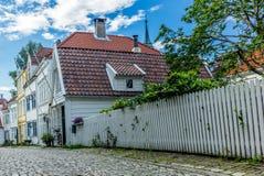 五颜六色的街道在卑尔根的中心在挪威- 13 库存图片