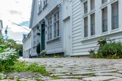 五颜六色的街道在卑尔根的中心在挪威- 16 免版税库存图片