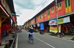 五颜六色的街道在Siak,印度尼西亚 免版税库存图片