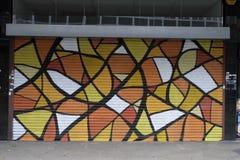 五颜六色的街道画在克罗伊登,英国 免版税库存图片