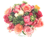 五颜六色的被分类的玫瑰花束在白色背景的 免版税库存图片