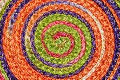 五颜六色的被编织的西沙尔麻羊毛地毯taxtures &背景 免版税库存照片