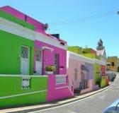 五颜六色的被绘的房子在BoKaap,开普敦,南非 免版税库存照片