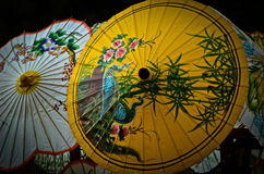 五颜六色的被绘的纸伞 图库摄影